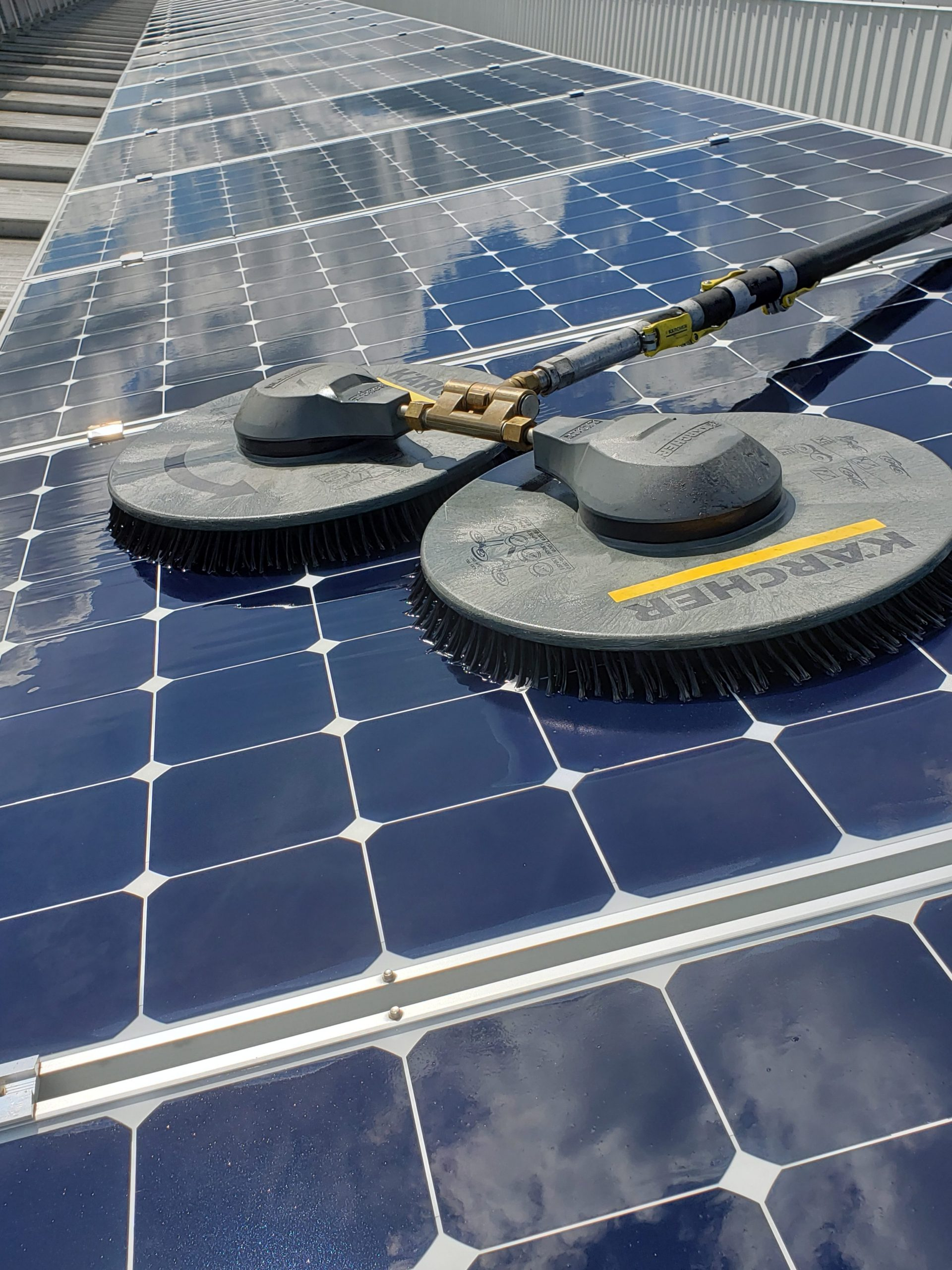 Why Clean Solar Panels Welcome Building Maintenance
